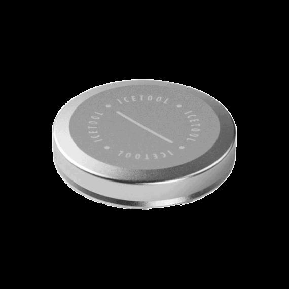 ICETOOL Mini can Silver. Minidosa gjord i aluminium. Främst framtagen för ditt luktsnus, men rymmer även några mini portionssnus. Beställ från Snusfabriken.com